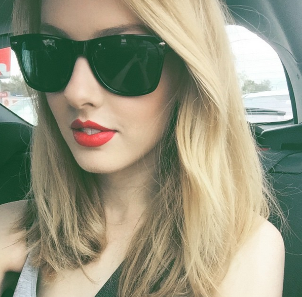 Olivia Sturgess taylor swift lookalike picture