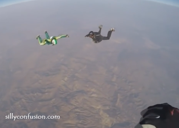 luke aikins skydiving jump picture